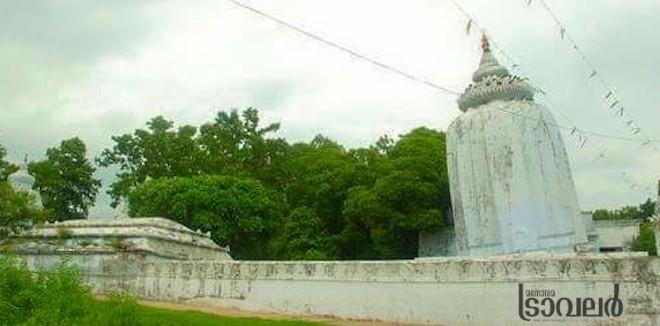 പിസയിലെ ചെരിഞ്ഞ ഗോപുരത്തെ ഓർമിപ്പിച്ച് ഒഡിഷ ക്ഷേത്രം